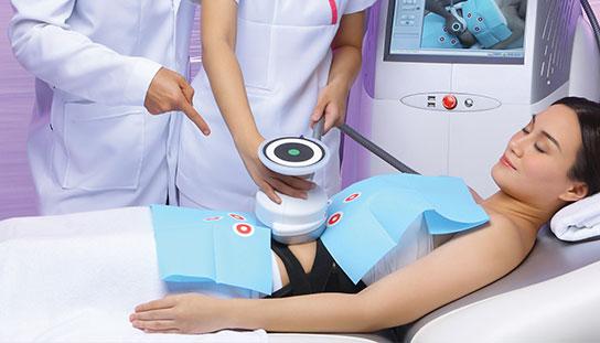 Woman undergoing vela contour treatment